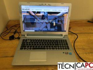 Lenovo Z51-70 tem as braçadeiras e anilhas partidas e o sistema operativo danificado